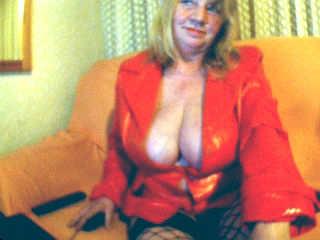 Frau mit Freundin sucht per Webcam Schwänze für MMF